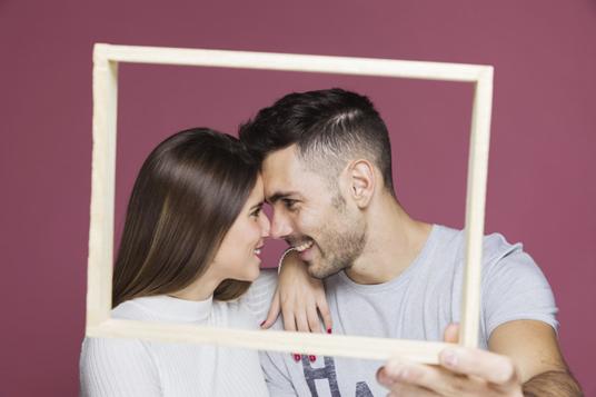 איך לבנות מערכת יחסים זוגית מאושרת